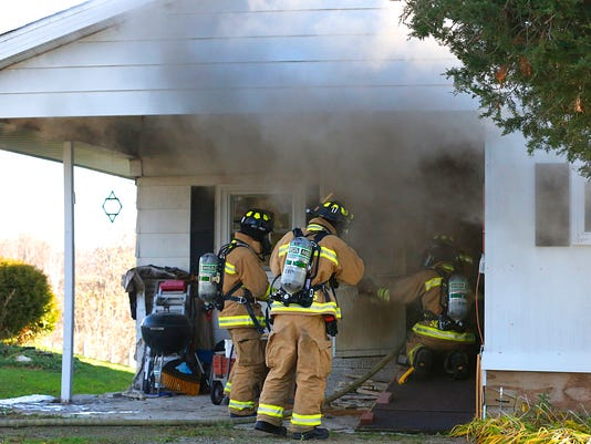 635835484808192934-FON-111915-waupun-house-fire.jpg