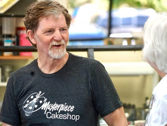 supreme court wedding cake decision 2018 masterpiece cakeshop cheers for phillips after court 20654