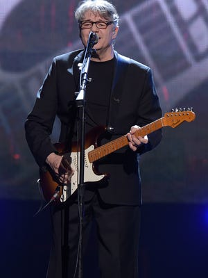 Steve Miller performs at the Rock Hall of Fame induction ceremony.