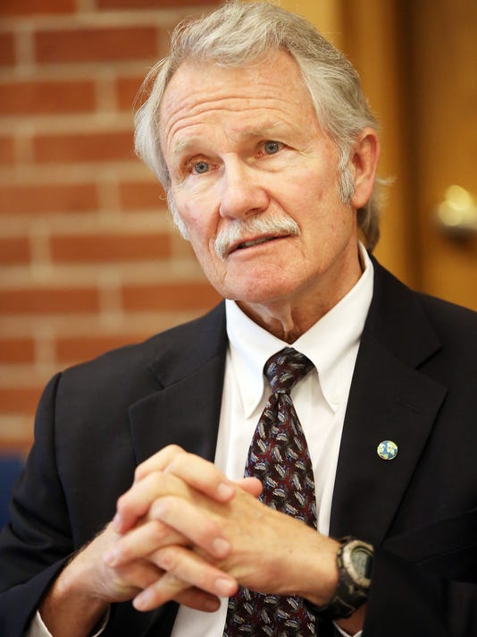 Kitzhaber photo.jpg