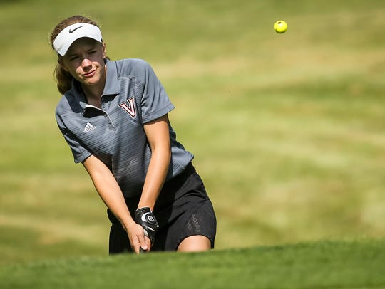 West Des Moines Valley's Paige Hoffman chips onto the