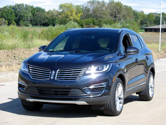 2015-Lincoln-MKC-premium-utility-vehicle