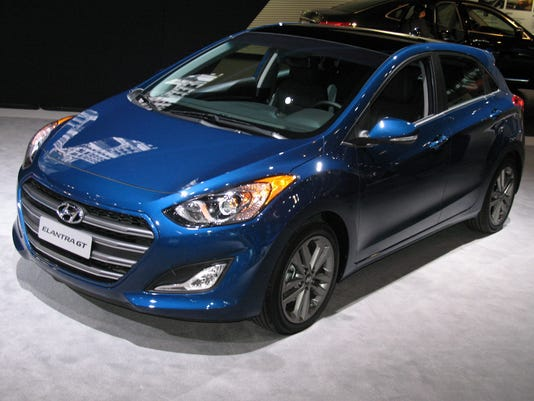 635861166711245228-2016-Hyundai-Elantra-GT-5-door.jpg