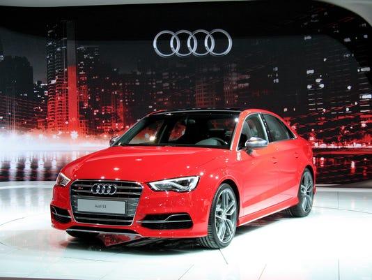635881947056282807-2016-Audi-S3-sedan-.jpg
