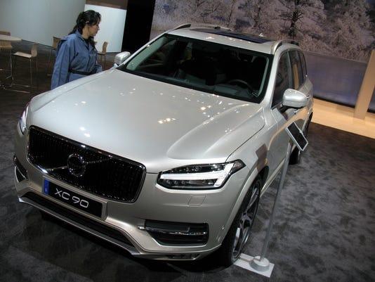 635917447678245169-2016-Volvo-XC90-T6-SUV.jpg