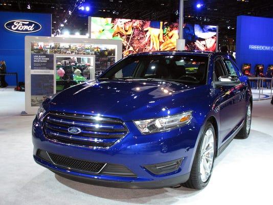 635969970099897919-2016-Ford-Taurus-sedan.jpg