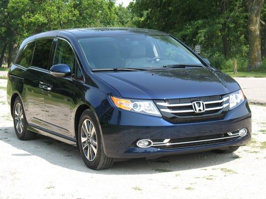636016741379595571-2016-Honda-Odyssey-minivan.jpg