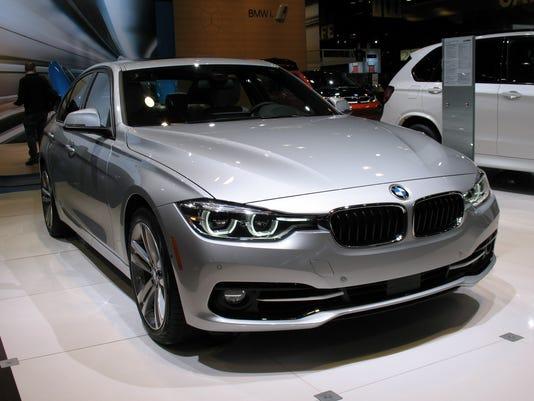 636042578066767448-2016-BMW-330e-iPerformance-sedan.jpg