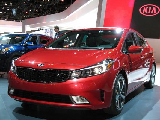 636254427899136622-2017-Kia-Forte-sedan-.jpg