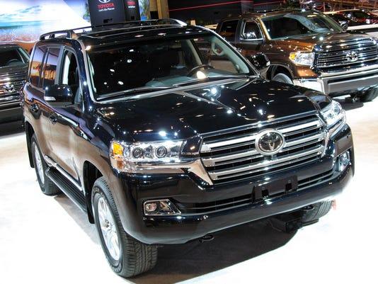 636303525672499007-2017-Toyota-Land-Cruiser-SUV.jpg