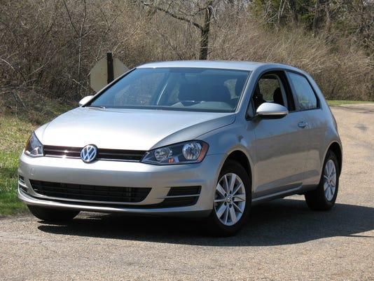 636377940201083898-2017-Volkswagen-Golf-hatchback.jpg