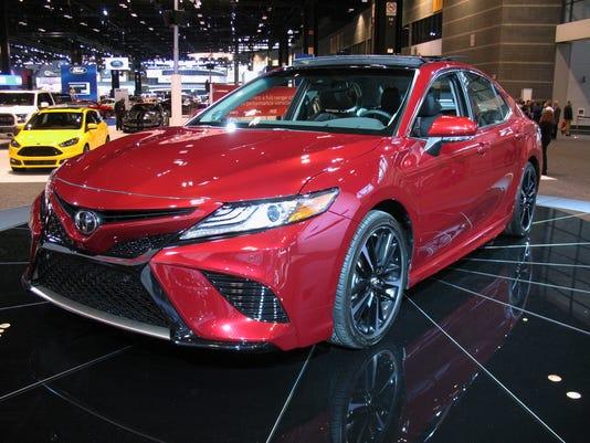 636383951983650403-2018-Toyota-Camry-sedan.JPG