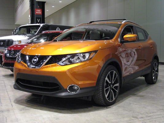 636406303933198925-2017-Nissan-Rogue-Sport-crossover.JPG