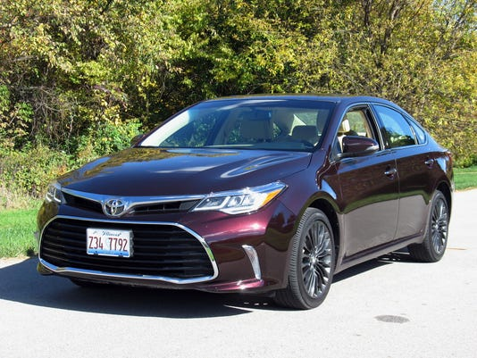 636460009568532109-2017-Toyota-Avalon-sedan.jpg