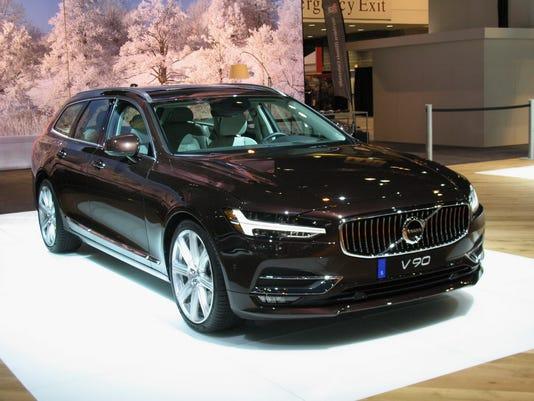 636462656015403988-2017-Volvo-V90-wagon.JPG