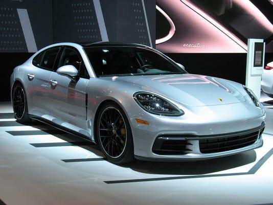 636472983077765941-2017-Porsche-Panamera-Sports-Sedan.JPG