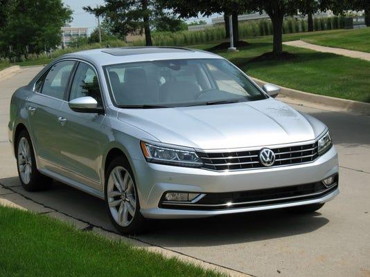 636505741891773993-2017-Volkswagen-Passat-sedan.jpg