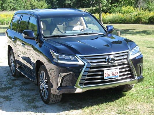 636513554135105218-2017-Lexus-LX-570-SUV.JPG