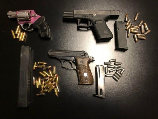 636673405129083281-guns.jpg