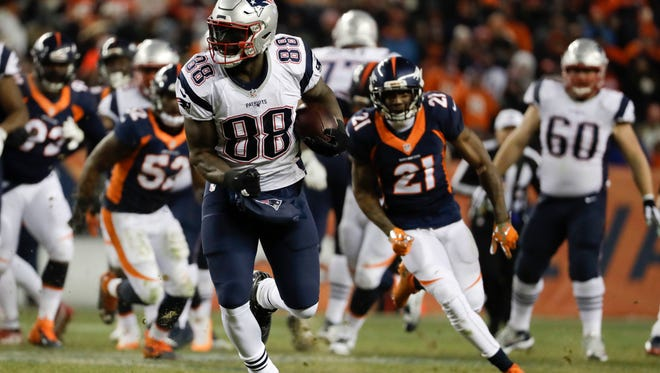 Former New England Patriots tight end Martellus Bennett brings a new element to the Packers' offense.