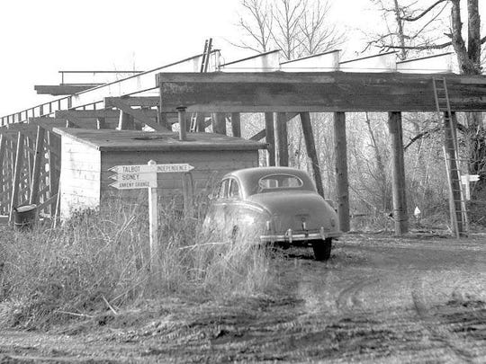 The Independence Bridge is seen during construction in January 1949.
