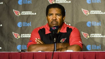 Cardinals head coach Dennis Green talks to the media during a press conference at their Tempe training facility October 30, 2006.