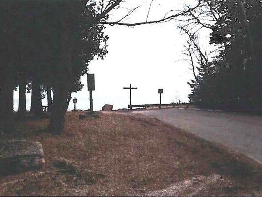 -DCA 0606 Washington Island cross.jpg_20150605.jpg