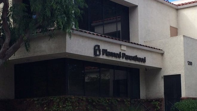 ROB VARELA/THE STAR The Planned Parenthood office in Newbury Park where a fire was set in 2015.