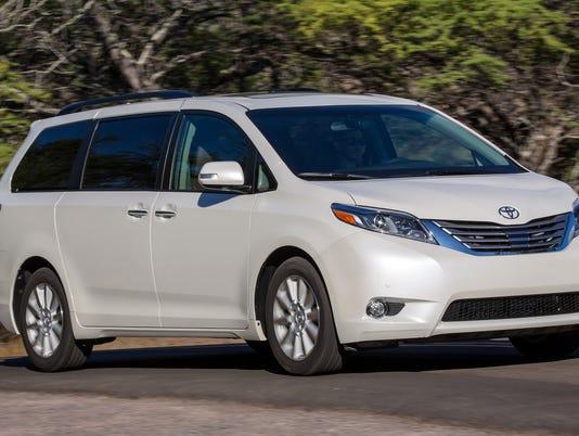 635782522999639683-2015-Toyota-Sienna-minivan