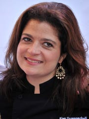 Alex Guarnaschelli headlines the IndyStar Wine & Food Experience 1 to 4 p.m. Sept. 28 at Clay Terrace in Carmel.