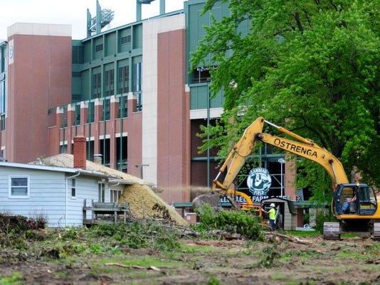 GPG Packers Raze Houses062.jpg