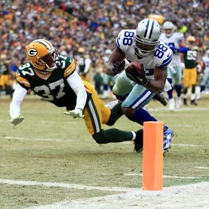 Dallas Cowboys wide receiver Dez Bryant (88) is unable