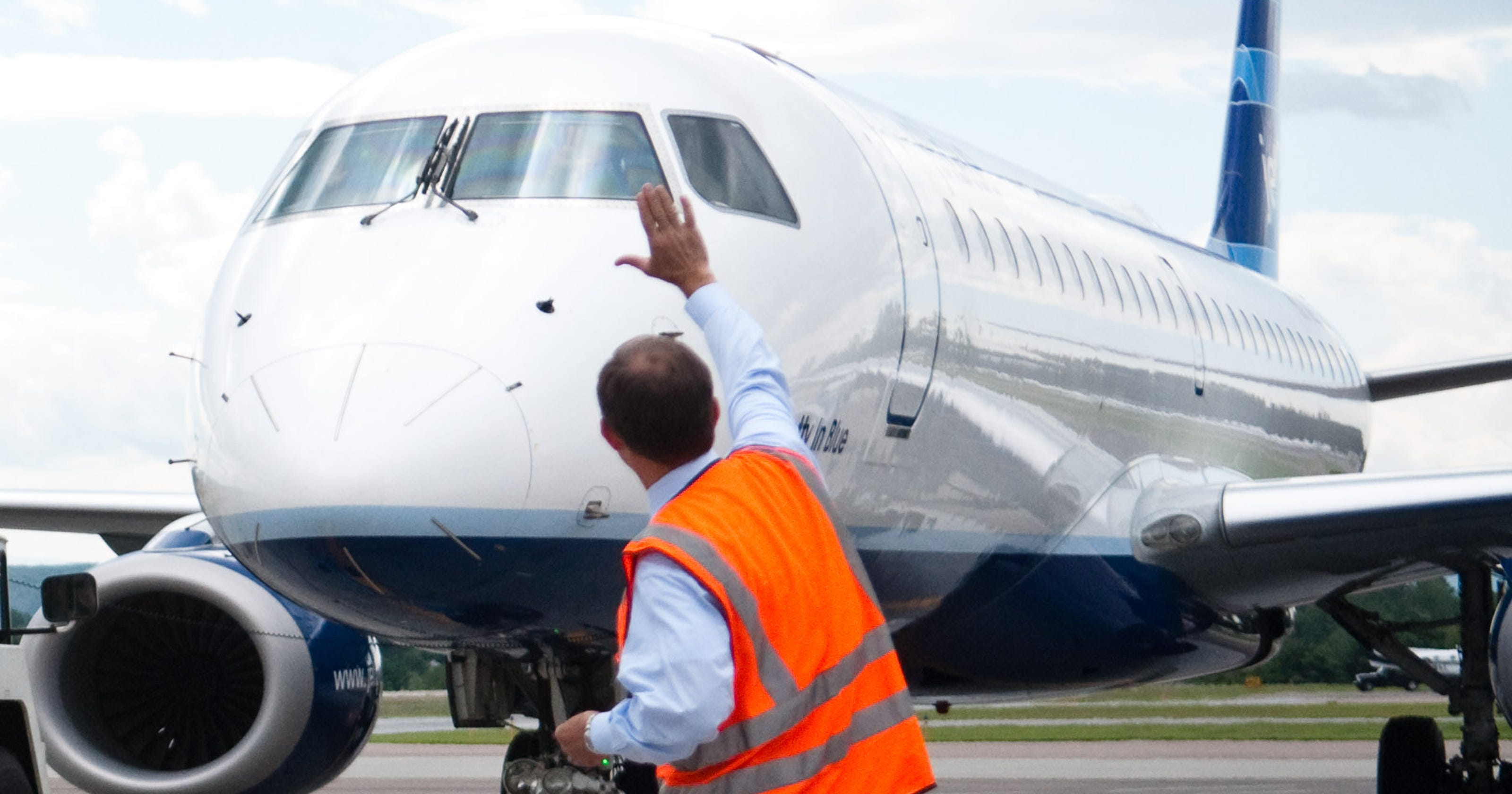 American Airlines To Offer Burlington To Ny Flights