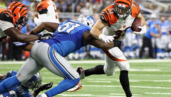 Cincinnati Bengals running back Rex Burkhead (33) is