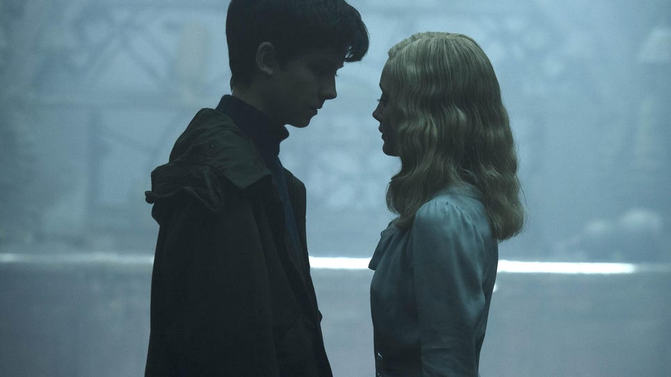 Film Review Miss Peregrine's Home for Peculiar Children (2)
