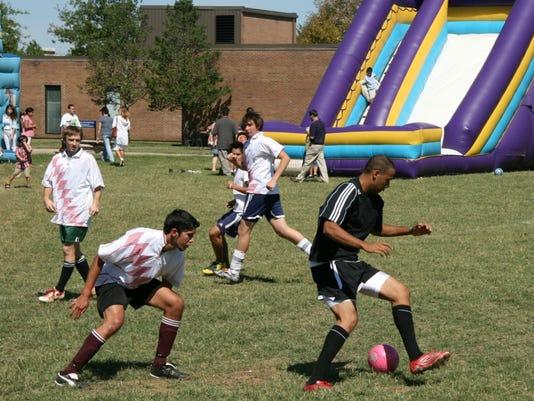 636081561597949755-Hispanic-Fiesta-soccer-game-for-media-07-09-29-0132.JPG