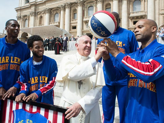 Pope with Globetrotters