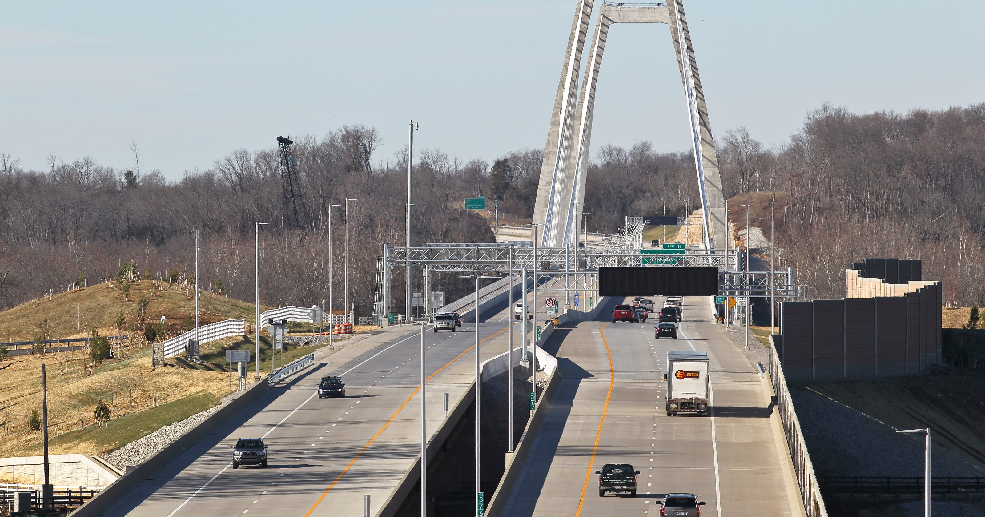 Ohio River bridge drivers say they didn't get RiverLink toll