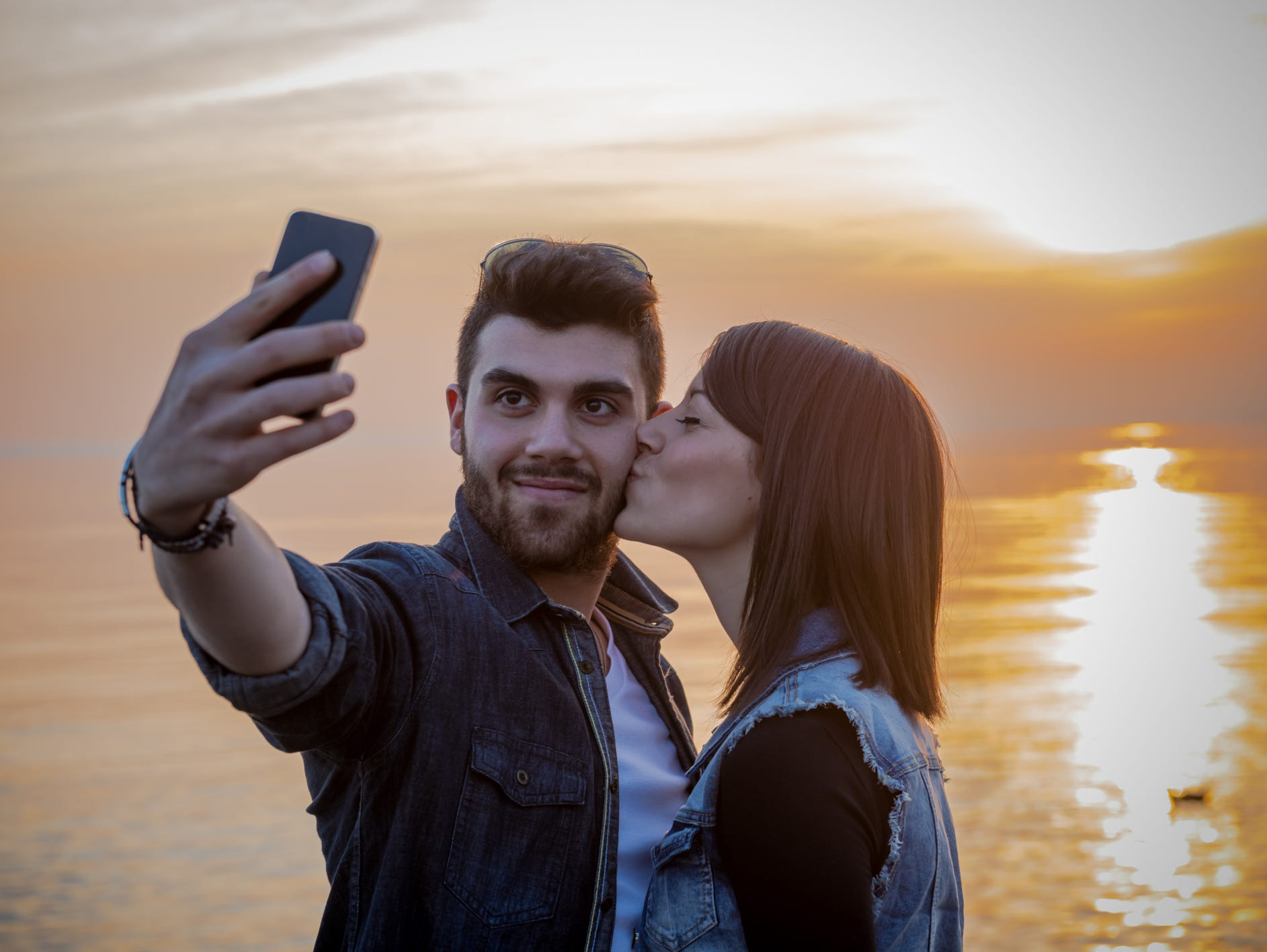 Taking selfies is all fun and games until your phone falls into the lake. Repair shops offer varying advice on putting wet phones in rice, though all sternly warn against powering on or charging a damp device.