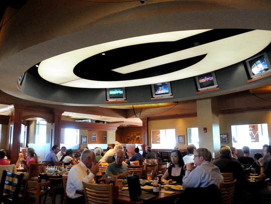 Curly's Pub at Lambeau Field in 2014. The restaurant
