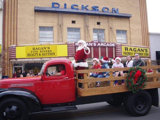 636154101060199963-Dickson-Xmas-Parade.jpg