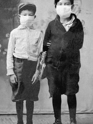 Children in Starke, Fla. during the Spanish flu epidemic of 1918.