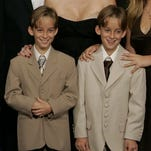 The cast of Everybody Loves Raymond at the Emmys in 2001 including Sawyer Sweeten, on the left.