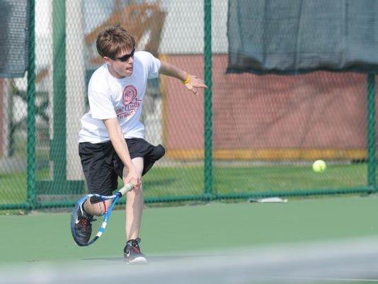 -pc tennis.JPG_20130430.jpg