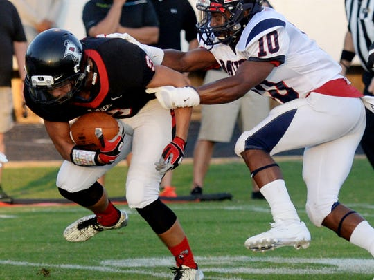 Bastrop's Zaderrion Ridgell can't stop Parkway's Chase