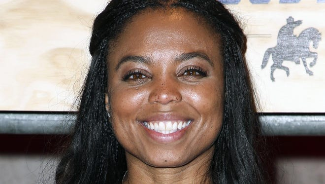 Detroit native Jemele Hill will speak at Mumford High School's graduation ceremony Monday, and on Tuesday the school will dedicate the auditorium in her honor.