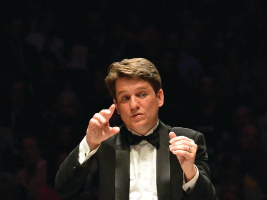 635734327973302342-keith-lockhart-conducts-the-boston-pops-on-opening-night-of-2013-season-stu-