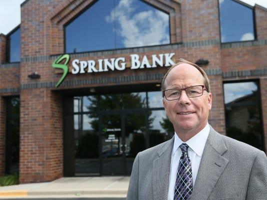 Brookfield banker has NFL side job