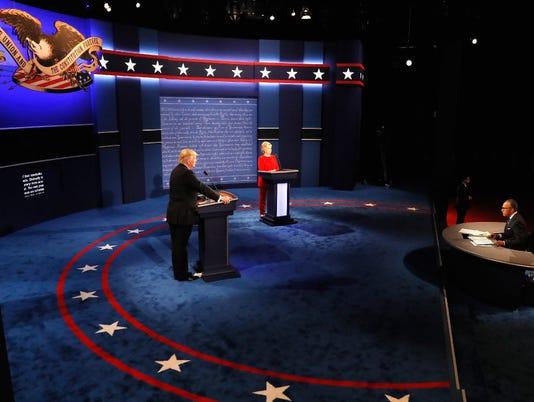 636105344779512373-debate.JPG