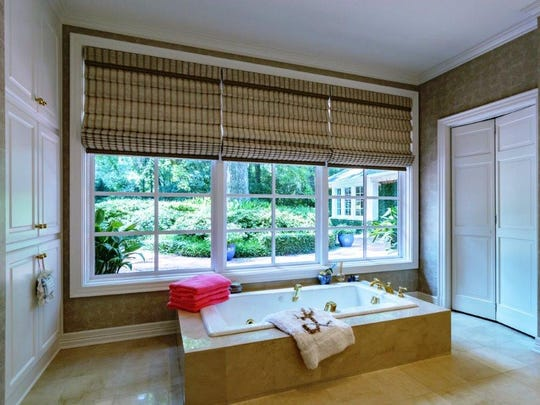 The master bathroom at 624 Montrose Drive in Pierremont.